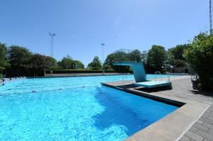 Flevoparkbad, het enige 50 meter-buitenbad in Amsterdam