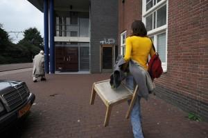De dichte deuren bij de adressen van Stichting Hulppost Indische en Dapperbuurt.
