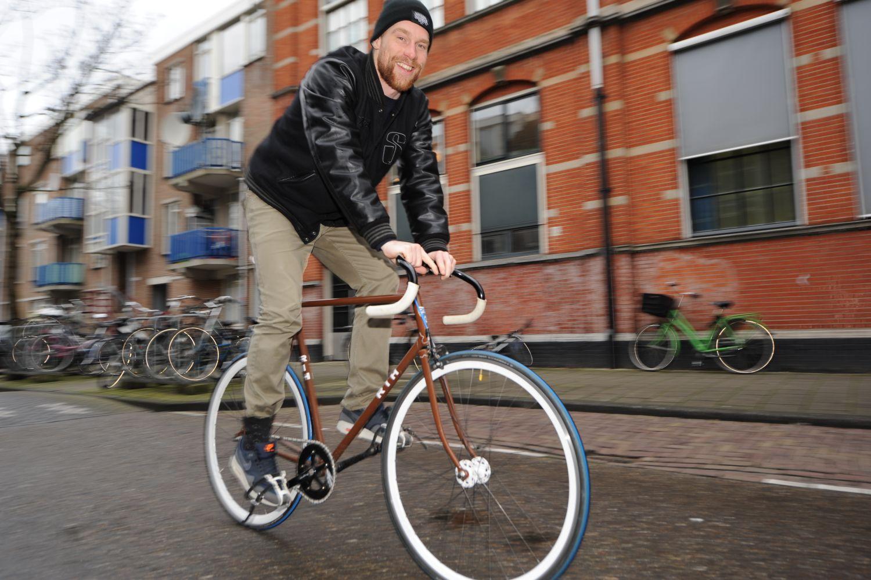Met stip het beste vervoermiddel in de stad de brug for Beste shoarma amsterdam oost