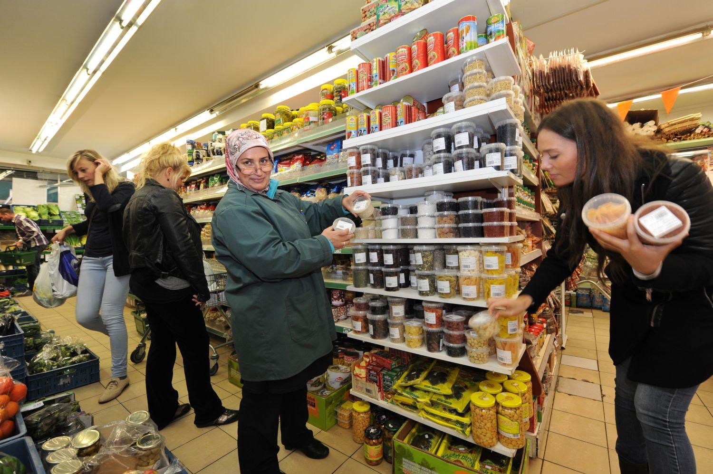 Quinoa en gojibessen veroveren turkse supermarkt de brug for Turkse kapper amsterdam oost