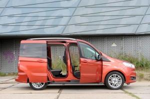 Ford Tourneo Courier 1.0 Ecoboost Titanium 2