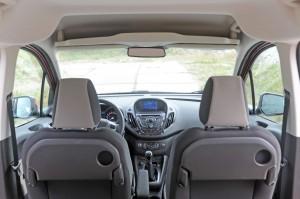 Ford Tourneo Courier 1.0 Ecoboost Titanium 5