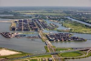 IJburg vanuit de lucht, 2012. Foto Peter Ellenbaas